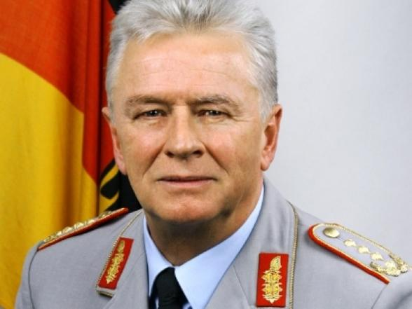 DefMin Dusa meets <b>German armed</b> forces Chief of Staff - 150417085318Volker_Wieker